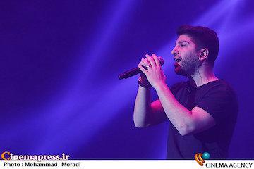 عکس/ کنسرت زانیار خسروی در سی و سومین جشنواره موسیقی فجر
