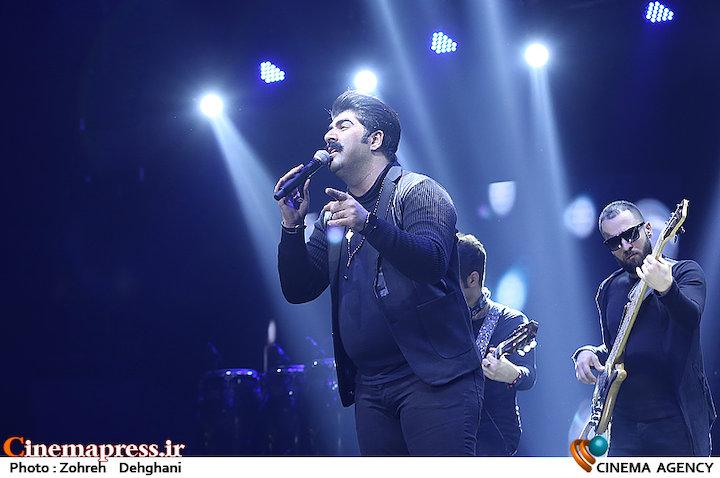 عکس/ کنسرت بهنام بانی در سی و سومین جشنواره موسیقی فجر