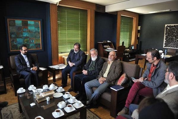 نشست شورای هماهنگی انجمن های تجسمی با حضور سیدمحمدمجتبی حسینی