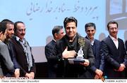پناه برخدا رضایی در مراسم اختتامیه دومین جشنواره فیلم و عکس راه آهن