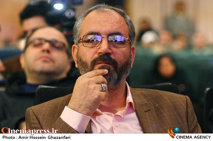 محسن مومنی شریف در مراسم انتخاب چهره سال هنر انقلاب اسلامی