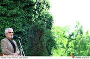 منوچهر شاهسواری در مراسم تشییع پیکر مرحوم «ناصر چشم آذر»