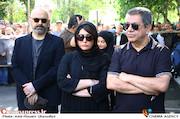 جهانگیر و باران کوثری و حبیب رضایی در مراسم تشییع مرحوم عزت الله انتظامی