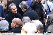 شهداد روحانی در مراسم تشییع مرحوم عزت الله انتظامی