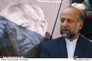 محمدمهدی حیدریان در مراسم تشییع مرحوم عزت الله انتظامی