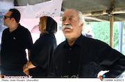 بهزاد فراهانی در مراسم تشییع مرحوم عزت الله انتظامی