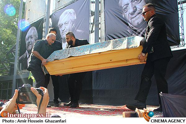 مراسم تشییع پیکر مرحوم عزت الله انتظامی