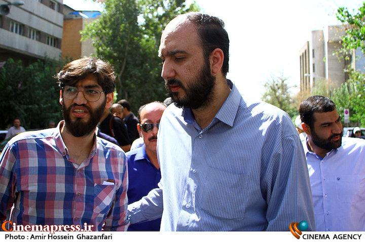 علی فروغی در مراسم تشییع پیکر مرحوم سید ضیاء الدین دری