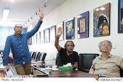 ارزیابی آثار ارسال شده به جشنواره عکس «هشت» توسط سیفالله صمدیان، اسماعیل عباسی و کیارنگ علایی