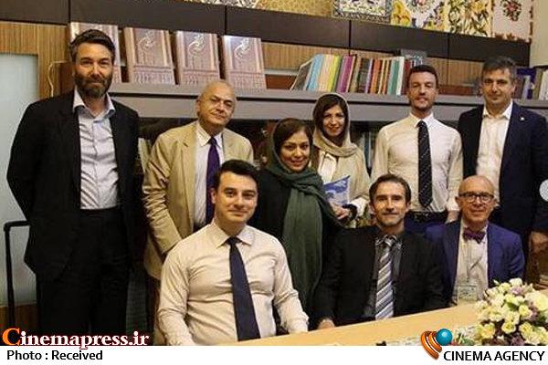 مسوول روابط عمومی خانه هنرمندان در میهمانی سفارتهای مختلف