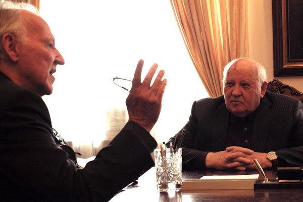 مستند ملاقات با گورباچف