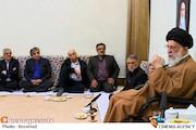دیدار جمعی از تهیهکنندگان، کارگردانان و بازیگران سیما با رهبر انقلاب اسلامی