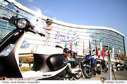 عکس/ حاشیه نگاری از سی و هفتمین جشنواره فیلم فجر-۱