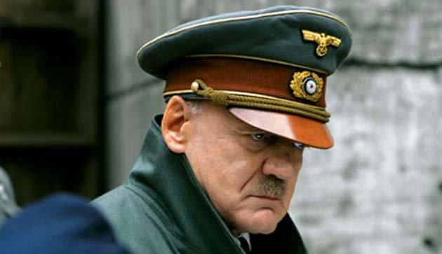 «برونو گانز» در نقش «آدولف هیتلر»