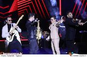 اجرای محسن ابراهیم زاده در سی و چهارمین جشنواره موسیقی فجر
