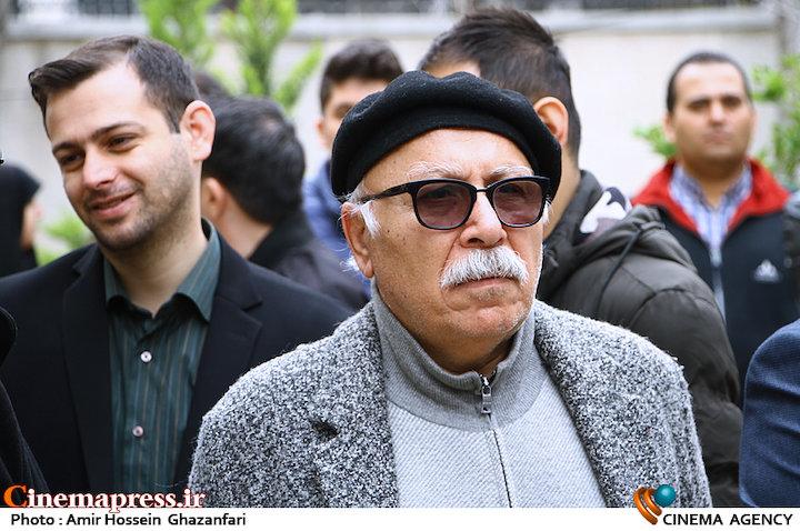 علیرضا داوودنژاد در مراسم تشییع پیکر مرحوم «حبیب کاوش»