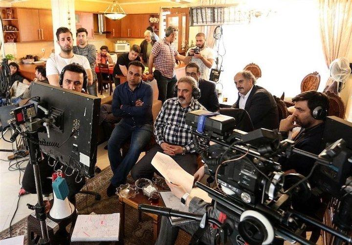 بازدید مدیر شبکه دو از پشت صحنه سریال «دلدار»