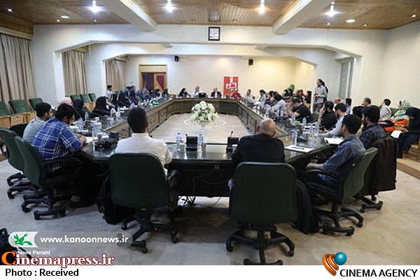 نشست هماندیشی منتخبان دومین رویداد ملی ایدهآزاد اسباببازی