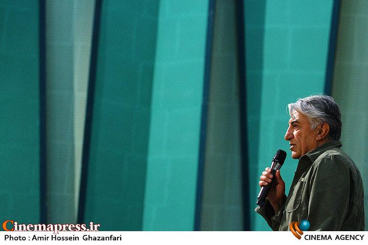 رضا کیانیان در مراسم افتتاحیه سیوهفتمین جشنواره جهانی فیلم فجر