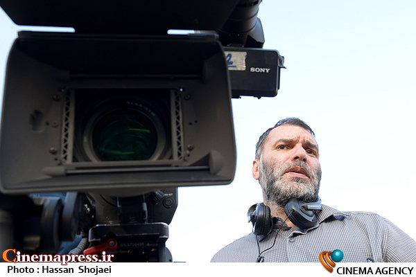 مسعود ده نمکی در فیلم سینمایی «زندانی ها»