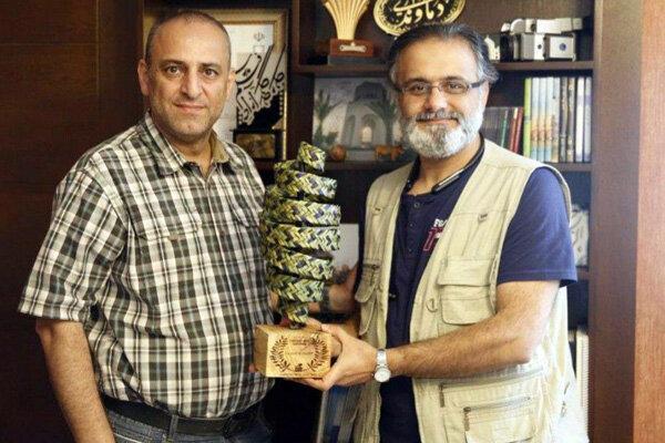 محمود ناظری کارگردان مستند «گنبد گیتی» برنده جایزه بهترین مستند در بخش تاریخ و میراث جشنواره TERRES اسپانیا