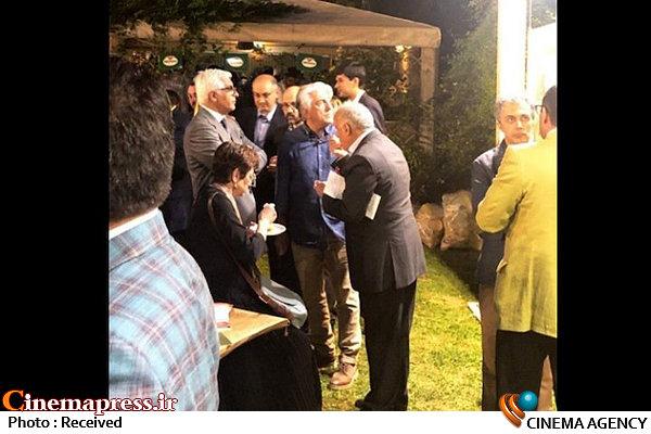 رضا کیانان در مهمانی سفارتخانه ها