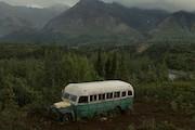 اتوبوس فیلم به سوی طبیعت وحشی