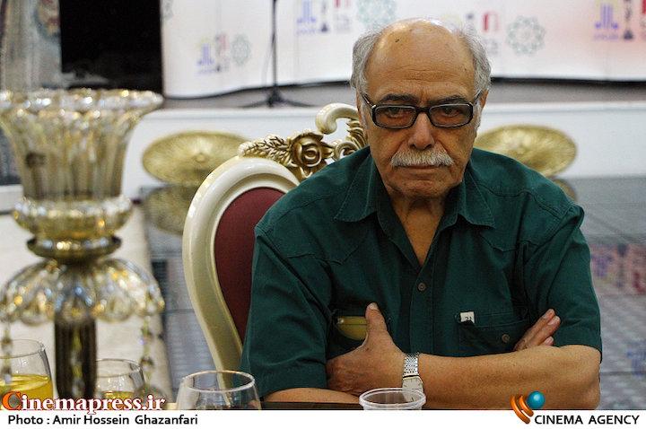 اکبر زنجانپور در مراسم تقدیر از نامزدهای بیست و یکمین جشن سینمای ایران