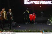 حسین انتظامی و سید صادق موسوی در مراسم اختتامیه سیوششمین جشنواره بینالمللی فیلم کوتاه تهران