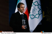امیر بنان در اختتامیه سی و هشتمین جشنواره فیلم فجر