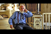 مستند «پیرمرد و خواننده»