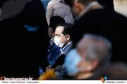 حسین انتظامی در مراسم تشییع پیکر مرحوم «محمدعلی کشاورز»