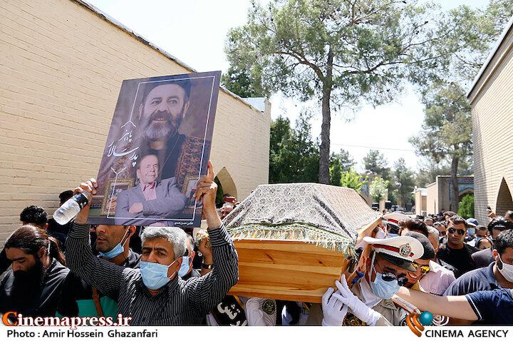 عکس / مراسم تشییع پیکر مرحوم «محمدعلی کشاورز»