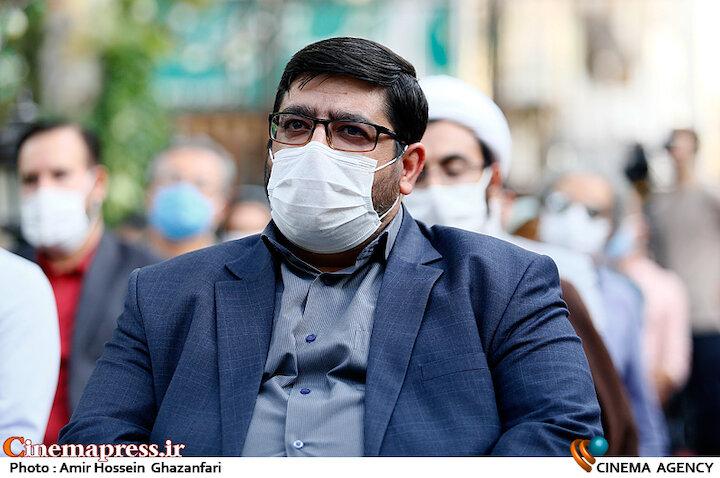 محمدیاشار نادری در مراسم اختتامیه نخستین جایزه بزرگ «سرو»