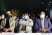مهدی عظیمی میرآبادی، یاشار نادری و احسان محمدحسنی در مراسم اختتامیه شانزدهمین جشنواره بینالمللی فیلم «مقاومت»