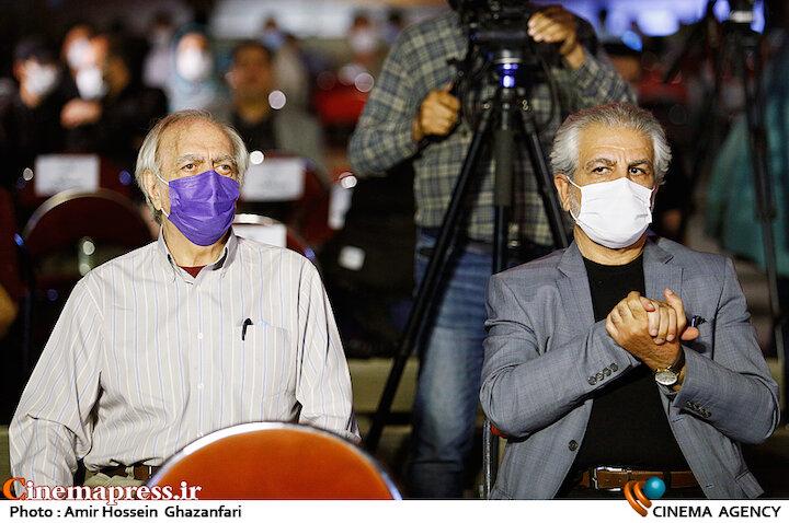 منوچهر شاهسواری و محمدعلی نجفی در مراسم اختتامیه شانزدهمین جشنواره بینالمللی فیلم «مقاومت»