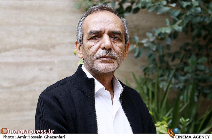 علی اکبری: در حال حاضر فیلم ها و سریال ها مشکل محتوایی اساسی دارند و مسائل مهمی مانند تحکیم بنیان خانواده را دچار خدشه می کنند/ موانع تولید آثار انقلابی بسیار زیاد است