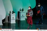 تجلیل از آروین موذن زاده در مراسم اختتامیه هفدهمین جشنواره سراسری تئاتر مقاومت