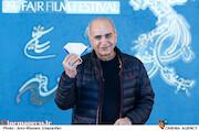 پرویز پرستویی در اولین روز سی و نهمین جشنواره فیلم فجر