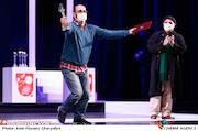 حامد عطایی در مراسم اختتامیه سی و نهمین جشنواره تئاتر فجر