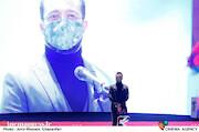 محمد سلوکی در مراسم اختتامیه سی و نهمین جشنواره فیلم فجر