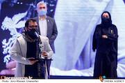 سهیل دانش اشراقی در مراسم اختتامیه سی و نهمین جشنواره فیلم فجر