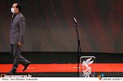 حسین انتظامی در مراسم اختتامیه سی و نهمین جشنواره فیلم فجر