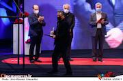 مهدی جعفری در مراسم اختتامیه سی و نهمین جشنواره فیلم فجر