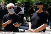 مرتضی رزاق کریمی و مسعود کرامتی در مراسم تشییع پیکر زندهیاد «فرشته طائرپور»