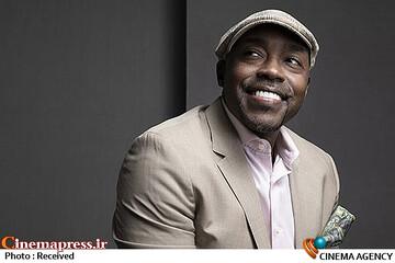 انتخاب یک سیاهپوست به عنوان تهیه کننده پخش تلویزیونی نود و چهارمین دوره جوایز اسکار