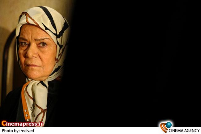 زهره صفوی در اپیزود سوم مجموعه تلویزیونی داوران  با نام «جایی همین نزدیکی» به کارگردانی احمد امینی