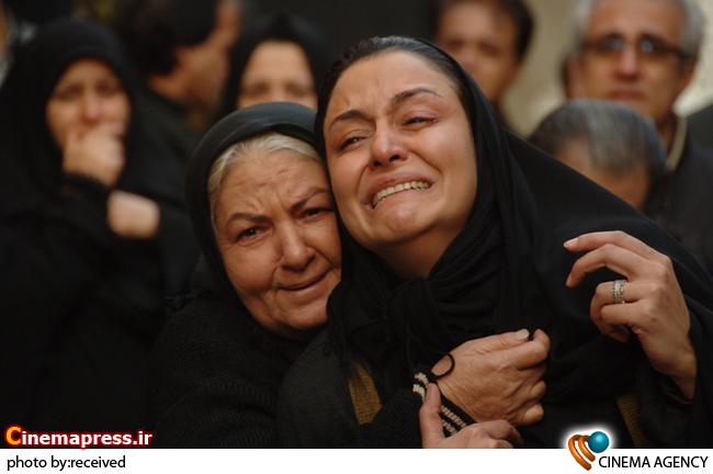 مریلا زارعی و مینا جعفر زاده در نمایی از فیلم کیفر به کارگردانی حسن فتحی