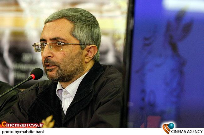 سلطان محمدی منتقد در  نشست فیلم پنجشنبه آخر ماه در سی امین جشنواره فیلم فجر