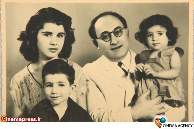 آوانیس اوگانیانس سازنده اولین فیلم تاریخ سینمای ایران در کنار خانواده اش